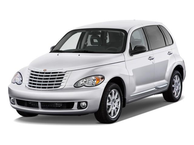 Angular Front Exterior View - 2010 Chrysler PT Cruiser Classic 4-door Wagon