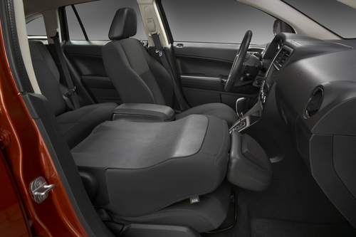 2010-dodge-caliber--fold-down-front-passenger-seat_100227669_m.jpg