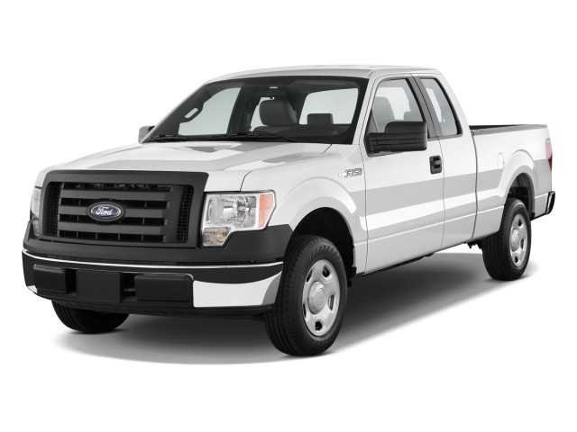 """2010 Ford F-150 2WD SuperCab 163"""" XL w/HD Payload Pkg Angular Front Exterior View"""