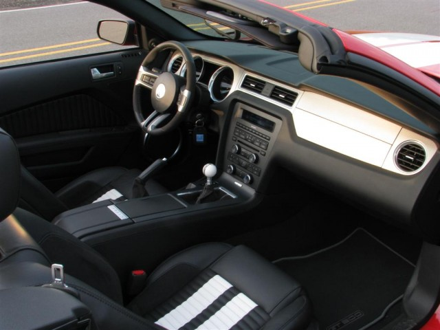2010 ford mustang shelby gt500 convertible - Ford Mustang Convertible 2010