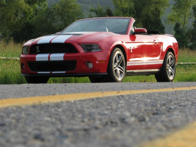 review 2010 ford mustang shelby gt500 convertible. Black Bedroom Furniture Sets. Home Design Ideas