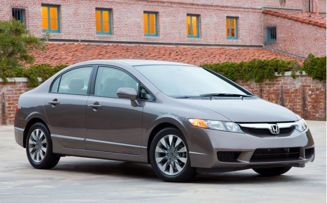 2010-honda-civic-sedan_100229480_s.jpg