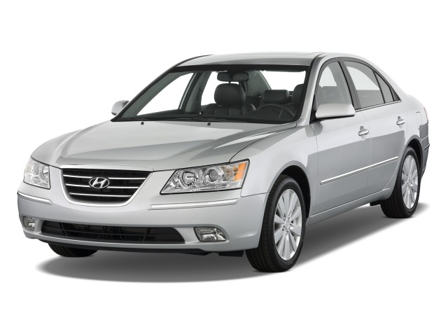 Angular Front Exterior View - 2010 Hyundai Sonata 4-door Sedan I4 Auto Limited
