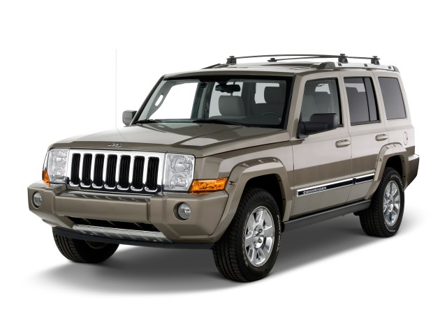 2010 Jeep Commander RWD 4-door Limited Angular Front Exterior View