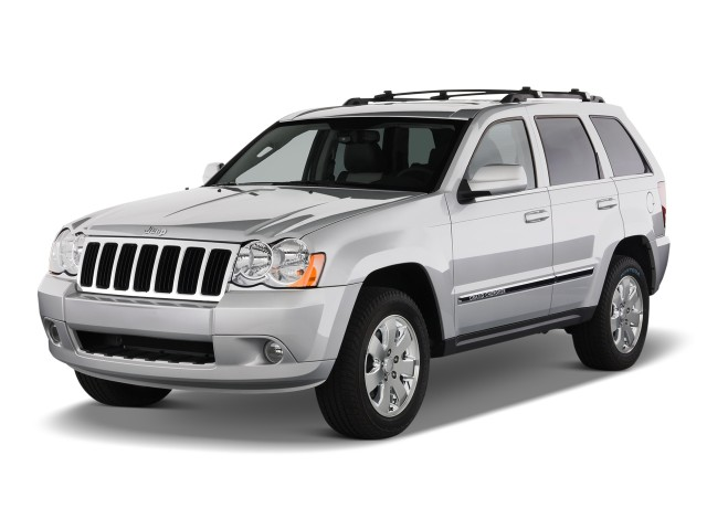 Angular Front Exterior View - 2010 Jeep Grand Cherokee RWD 4-door Limited