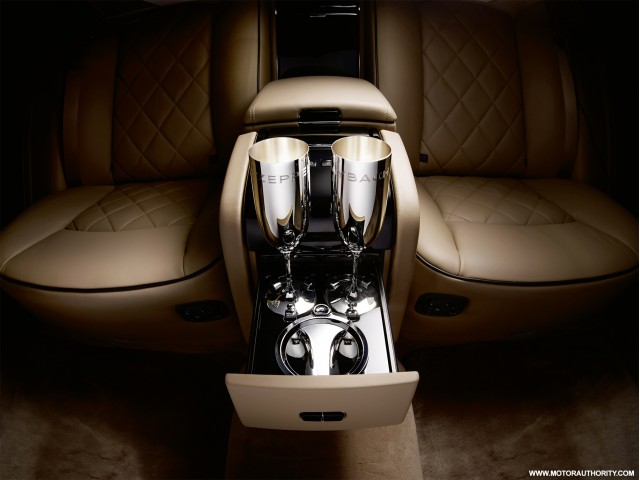 2010 maybach zeppelin 006