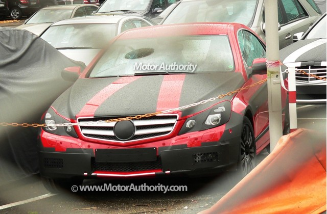 2010 mercedes benz e class coupe spy shots october 014