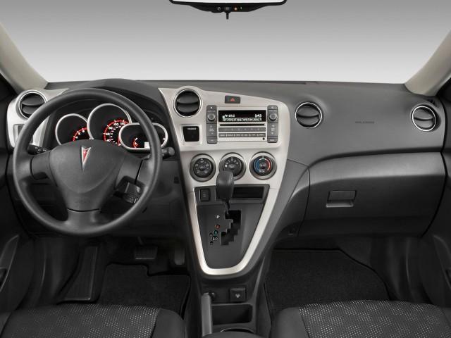 Dashboard - 2010 Pontiac Vibe 4-door HB FWD w/1SA