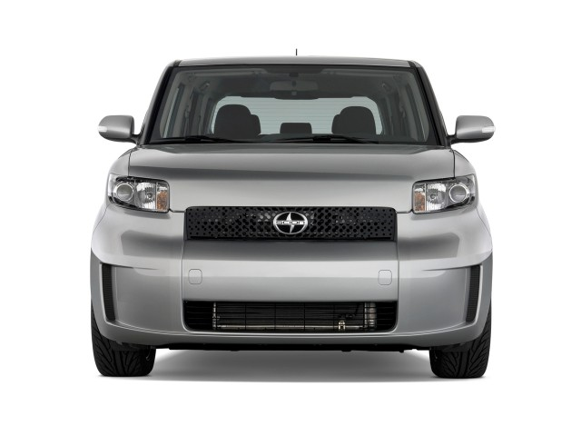 2010 Scion xB 5dr Wagon Auto (Natl) Front Exterior View