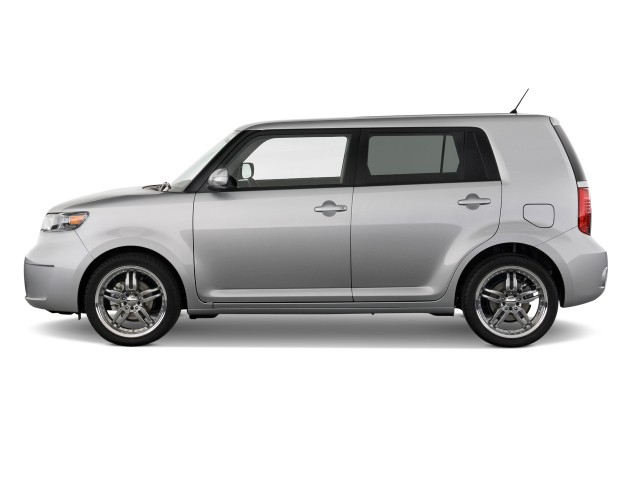 2010-scion-xb-5dr-wagon-auto-natl-side-e