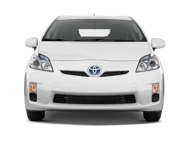 Front Exterior View - 2010 Toyota Prius 5dr HB II (Natl)