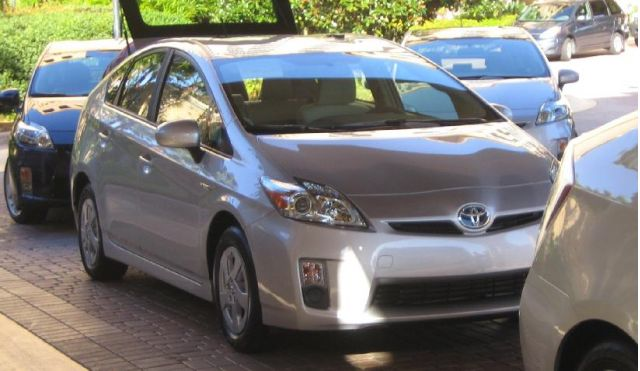 30 days of the 2010 toyota prius day 1 5 more on higher gas mileage. Black Bedroom Furniture Sets. Home Design Ideas