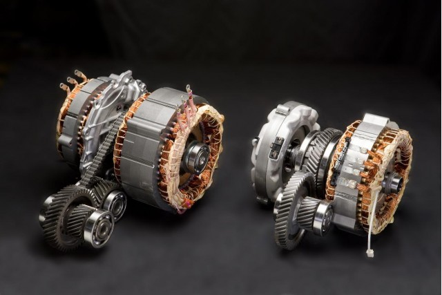2010 Toyota Prius transaxle, at right, with larger, heavier transaxle from 2009 Prius at left