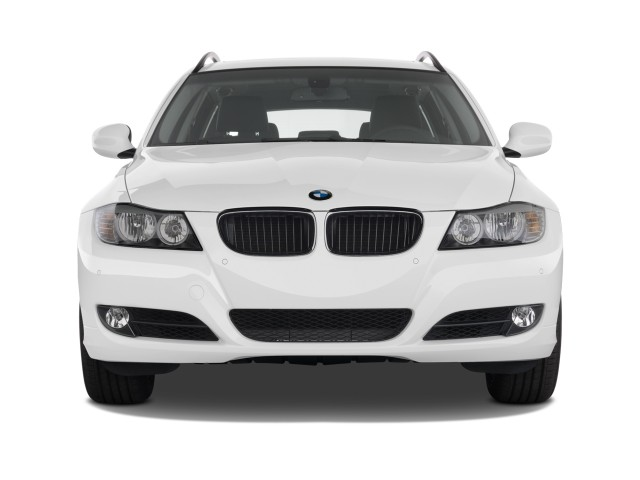 Front Exterior View - 2011 BMW 3-Series 4-door Sports Wagon 328i xDrive AWD