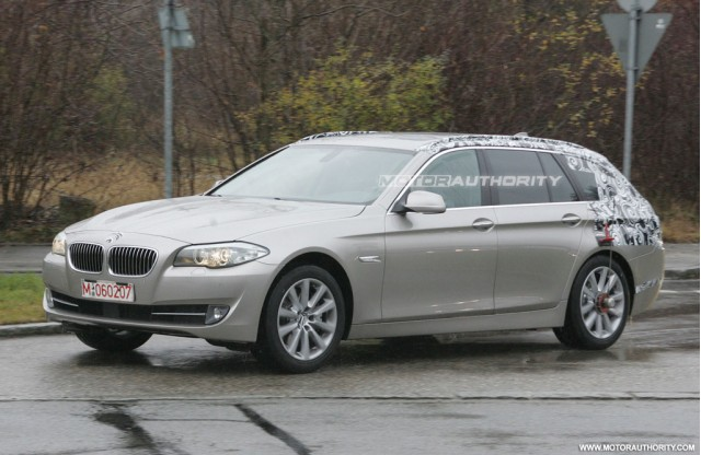 2011 BMW 5-Series Touring spy shots