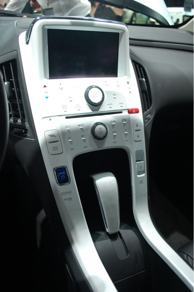 2011 Chevrolet Volt dashboard