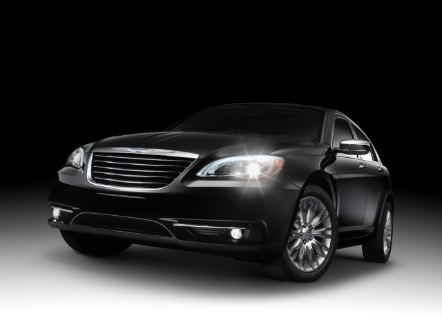 2011-chrysler-200_100326307_s.jpg