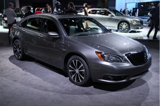2011 Chrysler 200 S Sedan live photos