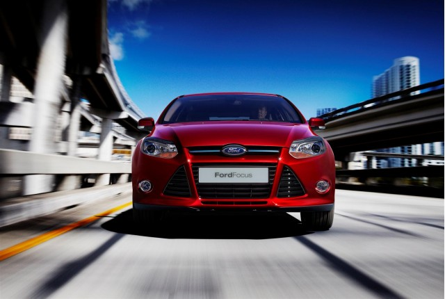 2011-ford-focus-sedan-and-hatchback_100303362_s.jpg