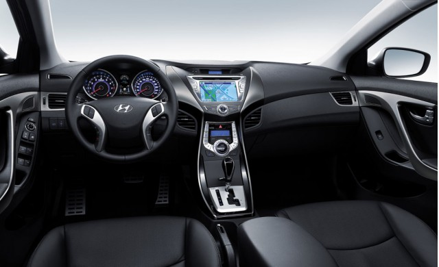 2011 Hyundai Elantra interior (South Korean spec)