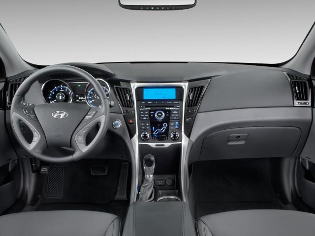 Dashboard - 2011 Hyundai Sonata 4-door Sedan I4 Auto Limited