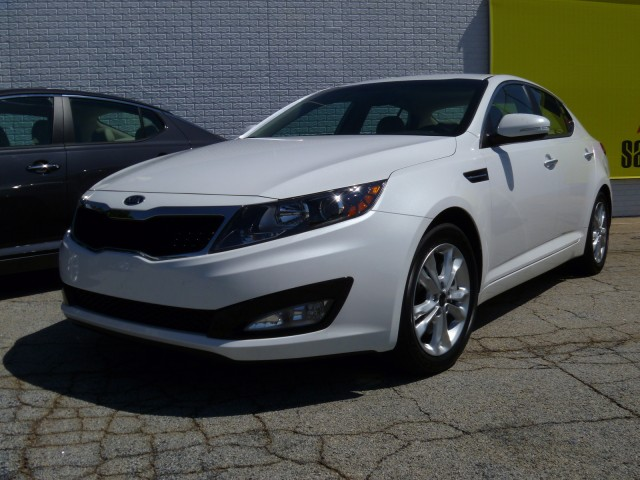 2011 Kia Optima at Road Atlanta