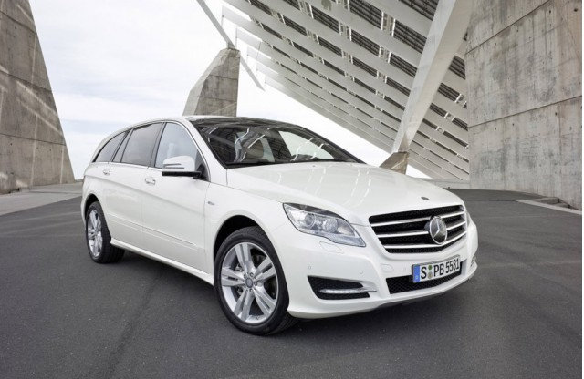 Mercedes benz issues recall on 2011 diesel models due to for 2011 mercedes benz r350