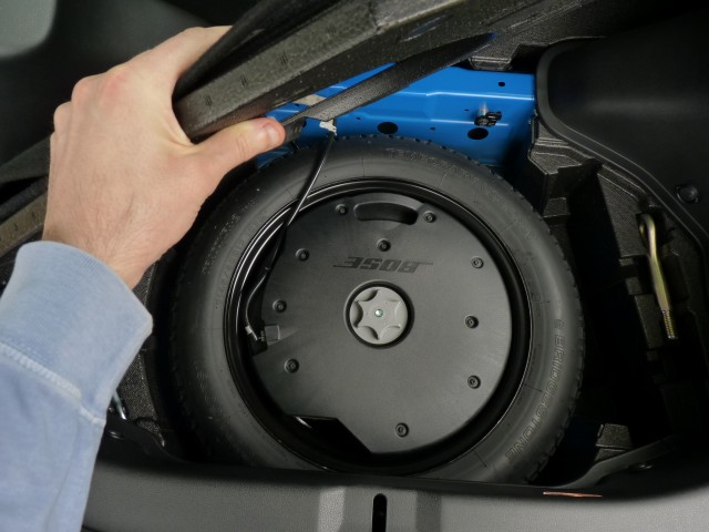 compact spare tire, in 2011 Nissan 370Z Touring