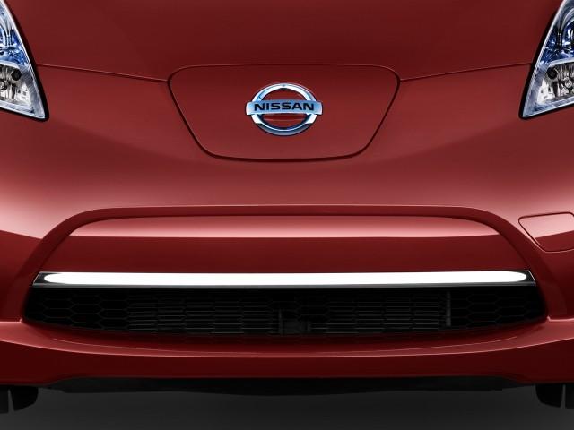 2011 Nissan Leaf 4-door HB SL Grille