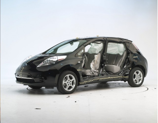 2011 Nissan Leaf in IIHS crash test