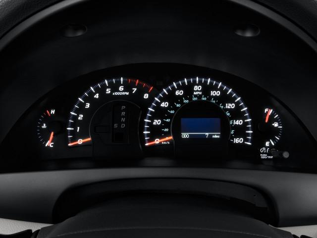 2011 Toyota Camry 4-door Sedan V6 Auto XLE (Natl) Instrument Cluster