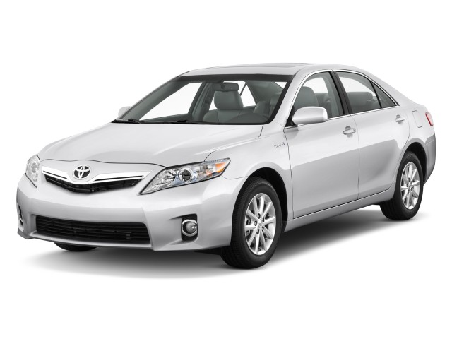 2011 Toyota Camry Hybrid 4-door Sedan (Natl) Angular Front Exterior View