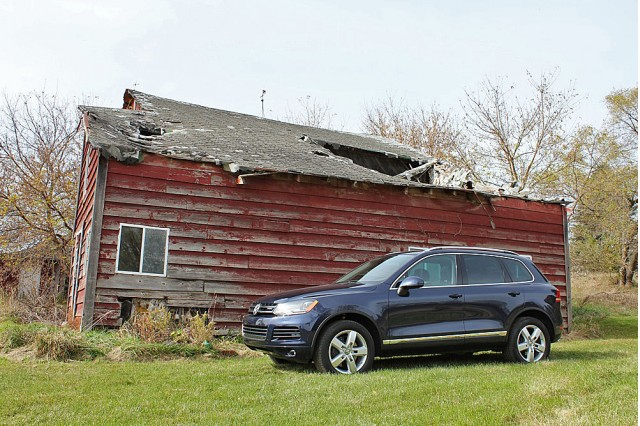 2011 2015 vw touareg hybrid suvs recalled for battery tray fix. Black Bedroom Furniture Sets. Home Design Ideas