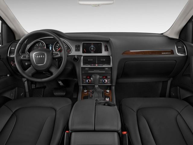 2012 Audi Q7 quattro 4-door 3.0L TDI Premium Dashboard