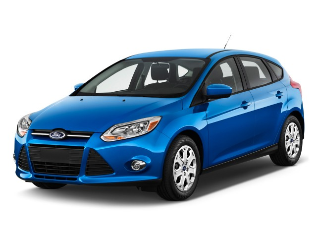 2012 Ford Focus 5dr HB SE Angular Front Exterior View