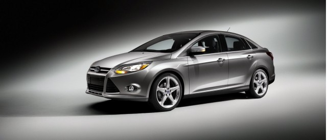 2012 Ford Focus Video Review, 2014 BMW X5 Spied: Car News Headlines