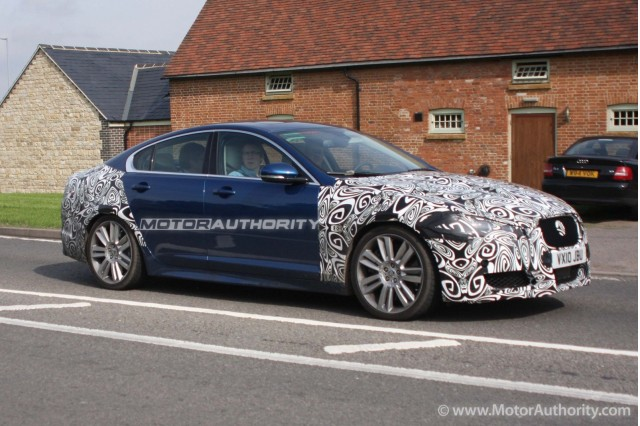 2012 Jaguar XFR facelift spy shots