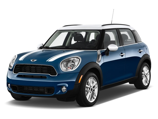 2012 MINI Cooper Countryman FWD 4-door S Angular Front Exterior View