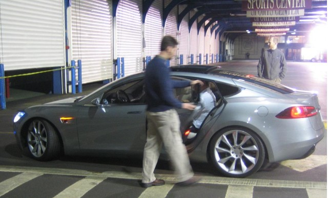 2012 Tesla Model S - and away they go