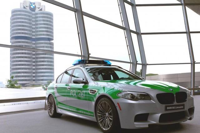 2013 BMW M5 police car
