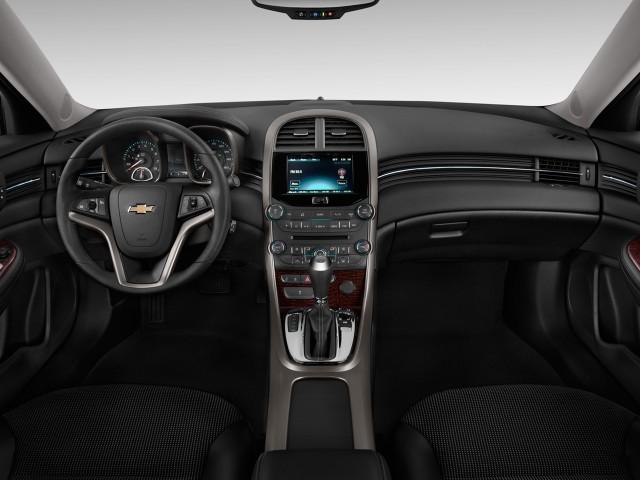 2013 Chevrolet Malibu 4-door Sedan ECO w/1SA Dashboard