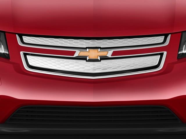 2013 Chevrolet Volt 5dr HB Grille