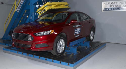 2013 Ford Fusion - IIHS roof strength test