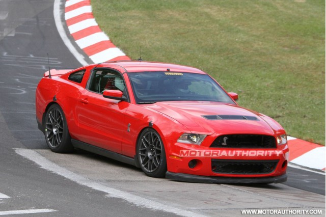 2013 Ford Mustang Shelby GT500 spy shots