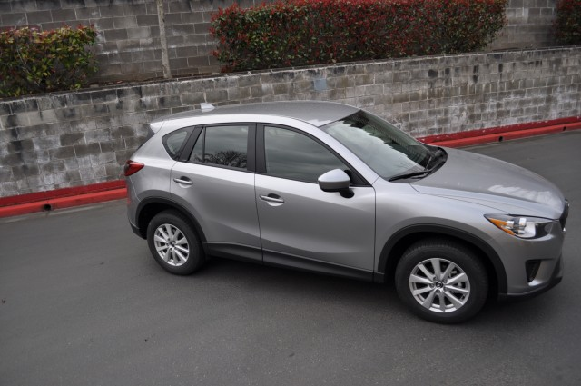 2013 ford escape vs 2013 mazda cx 5 crossover comparison. Black Bedroom Furniture Sets. Home Design Ideas