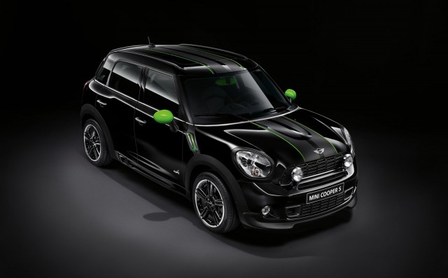 2013 MINI Cooper S Countryman with MINI RAY accessories
