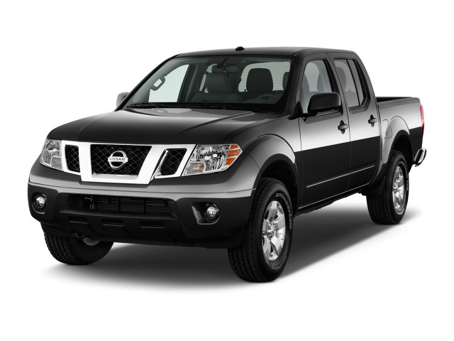 2013 Nissan Frontier 4WD Crew Cab SWB Auto SV Angular Front Exterior View