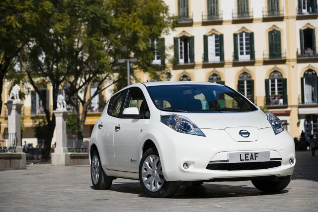 women now buying one third of all nissan leaf electric cars
