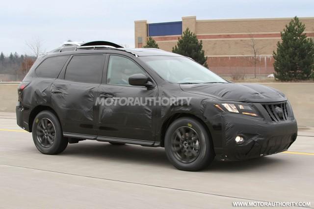 2013 Nissan Pathfinder spy shots