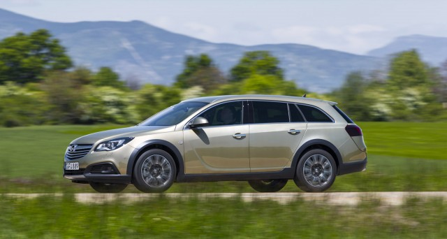 2013 Opel Insignia Country Tourer